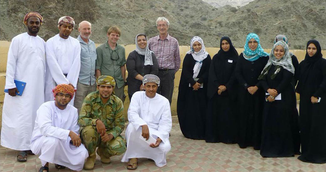 /2010-10-Winser-Oman-Earthwatch-team-at-Wadi-Sareen.jpg